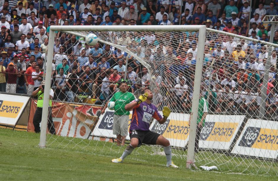 Municipal logró llegar a la meta de Suchitepéquez al minuto 22 por intermedio de Puerari. (Foto: Luis Barrios/Soy502)