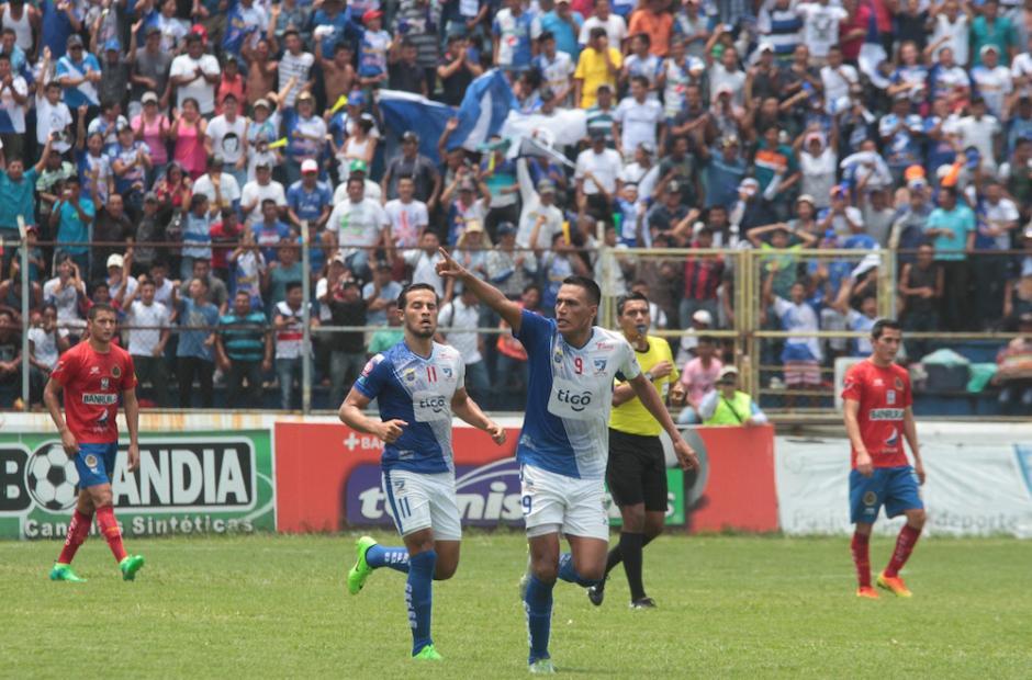 Suchitepéquez llega a la portería roja al minuto 32 por intermedio de Gerson Tinoco. (Foto: Luis Barrios/Soy502)