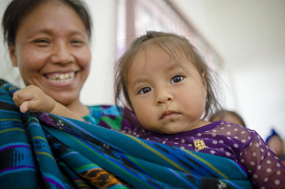 Los aldeanos se mostraron entusiasmados al conocer las nuevas instalaciones. (Foto: George Rojas/Soy502)
