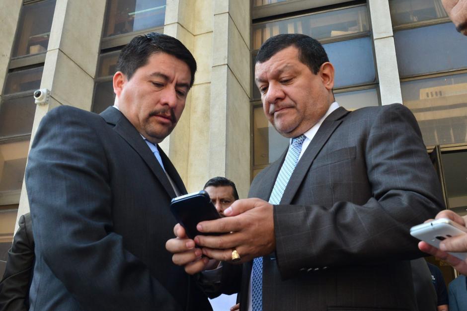 En la denuncia interpuesta por tres concejales también se involucra al actual alcalde: Víctor Alvarizaes. (Foto: archivo/Soy502)