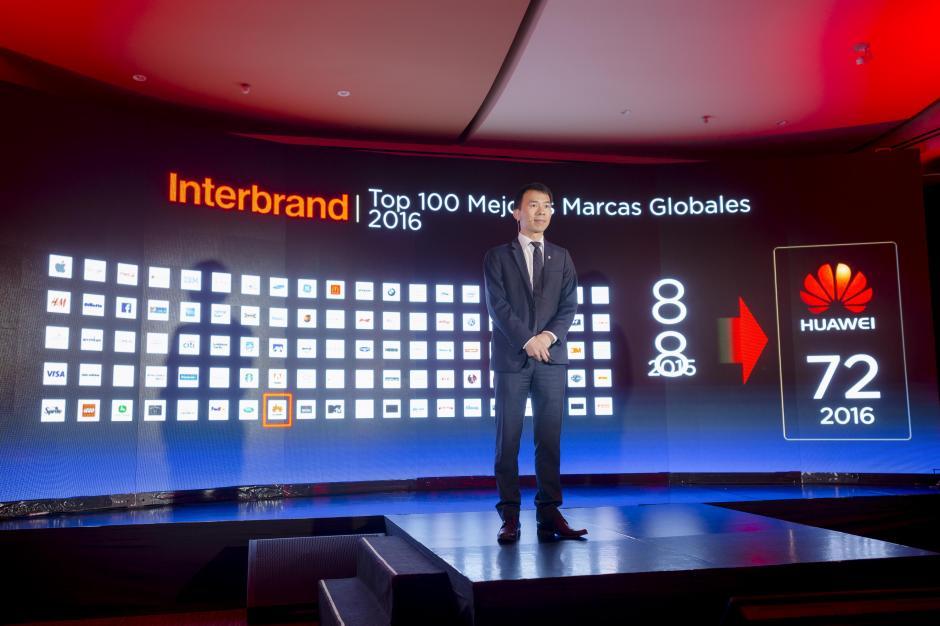 John Cheng, director general de Huawei Centroamérica, habló sobre el repunte que tuvo la marca en los últimos años. (Foto: George Rojas/Soy502)