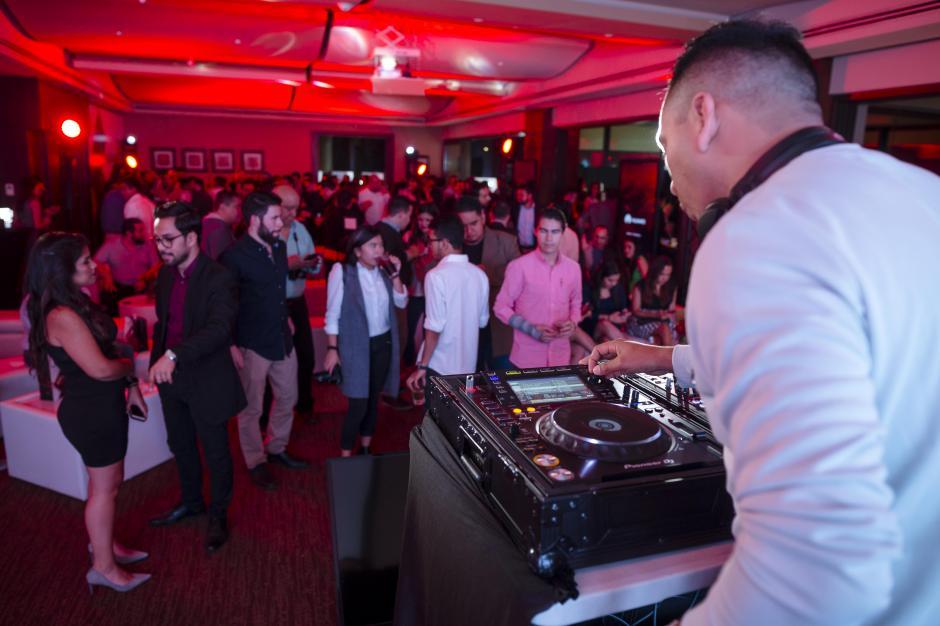 La velada finalizó con la música de Pako Rodríguez y un buen ambiente. (Foto: George Rojas/Soy502)