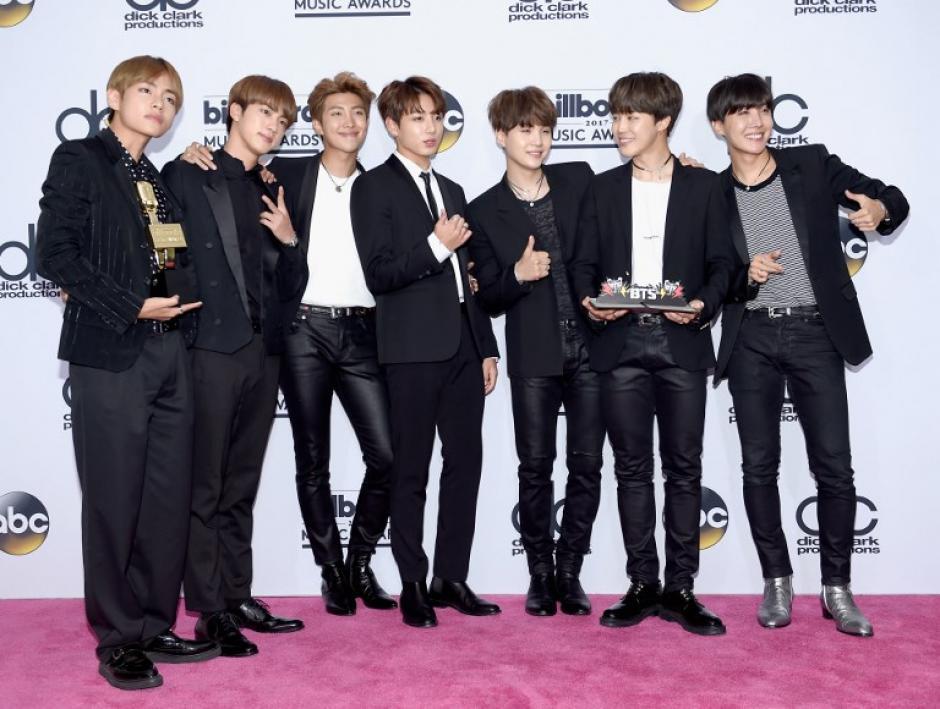 El grupo BTS causó revuelo en la gala