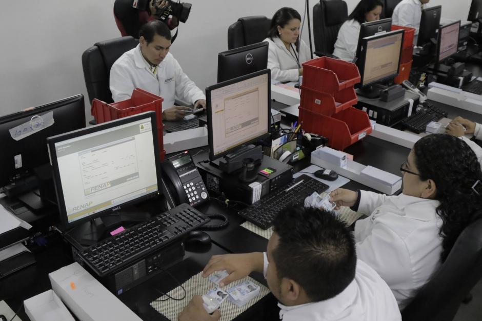 Actualmente hay 426 mil 670 DPI pendientes de imprimir. (Foto: Alejandro Balán/Soy502)