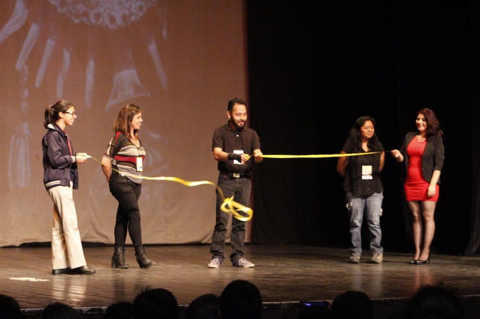 Artistas inauguraron el festival de arte. (Foto: Manuela Trillos/Soy502)