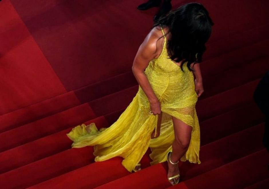 Irina Shayk robó el aliento en su entrada a la alfombra roja. (Foto: AFP)