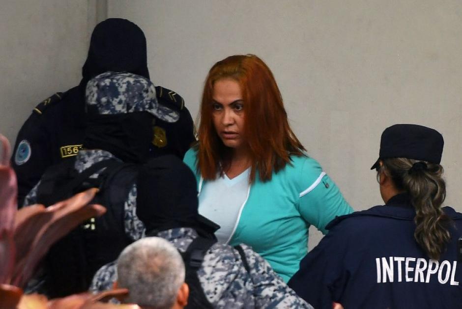Lemus justificó su salida con el riesgo de permanecer en la cárcel. (Foto: AFP)