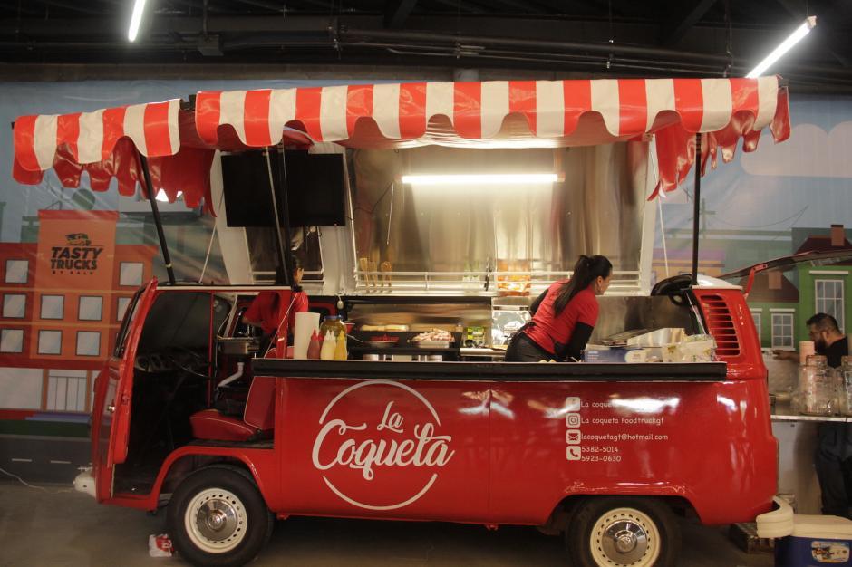 La Coqueta es otra variación de Food Truck, una combi convertida en restaurante móvil. (Foto: Fredy Hernández/Soy502)