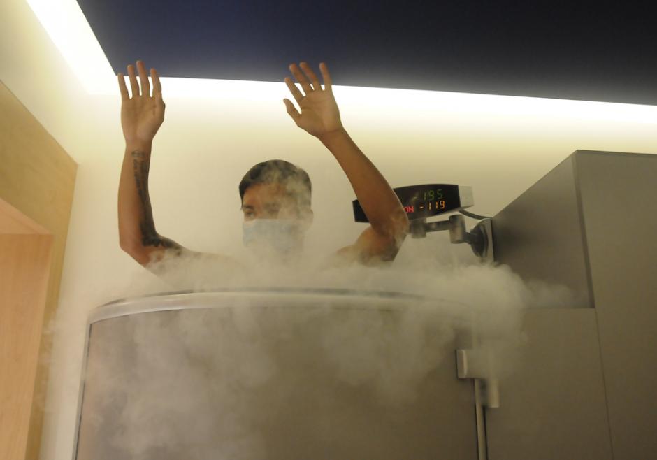 El nitrógeno líquido alcanza temperatura de hasta 196 grados bajo cero. (Foto: Jesús Alfonso/Soy502)