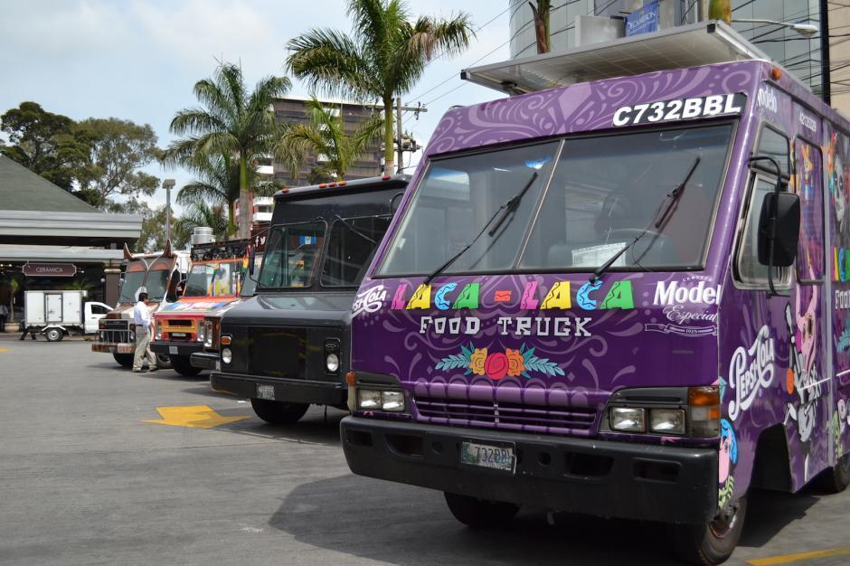 Los camiones de comida buscan llevar buena comida a diversas zonas de la ciudad. (Foto: Rebeca Wollf/Soy502)