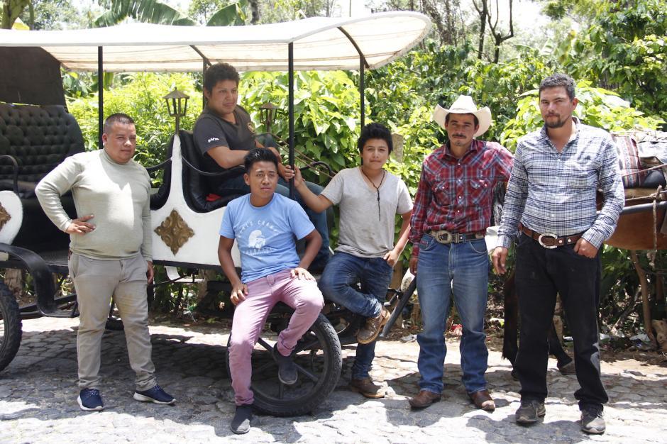 Los dueños y jinetes piden apoyo a las autoridades para mejorar las condiciones de su trabajo. (Foto: Manuela Trillos/Soy502)