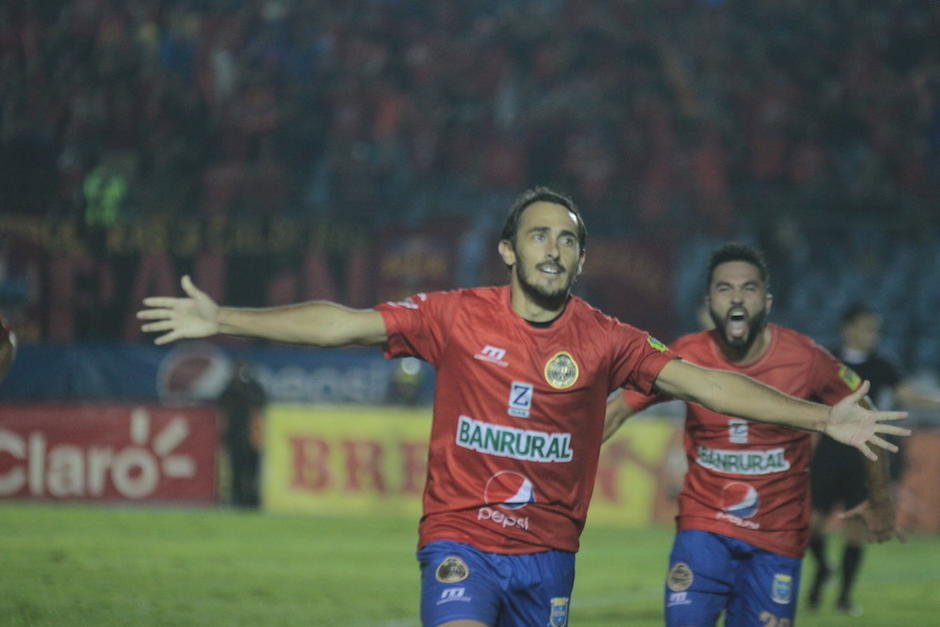 Gastón Puerari le dio la segunda anotación a Municipal al minuto 65. (Foto: Luis Barrios/Soy502)