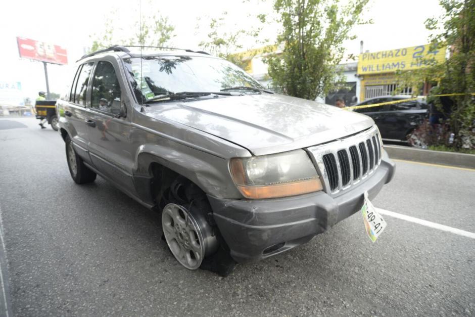 Este automóvil fue utilizado para atropellar a varias personas. (Foto: Wilder López/Soy502)