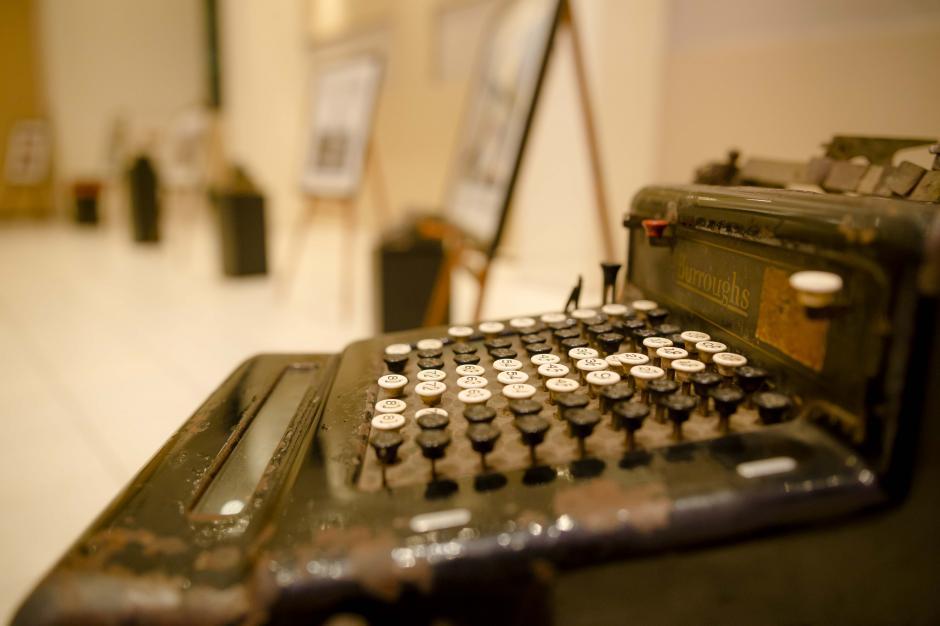 Una de las primeras máquinas de escribir en Guatemala. (Foto: George Rojas/Soy502)