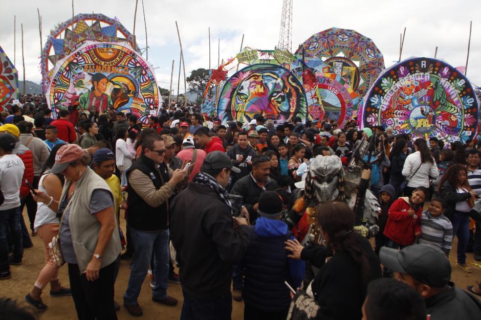 Sumpango es uno de los destinos predilectos para observar barriletes gigantes. (Foto: Carlos Duarte/Nuestro Diario)