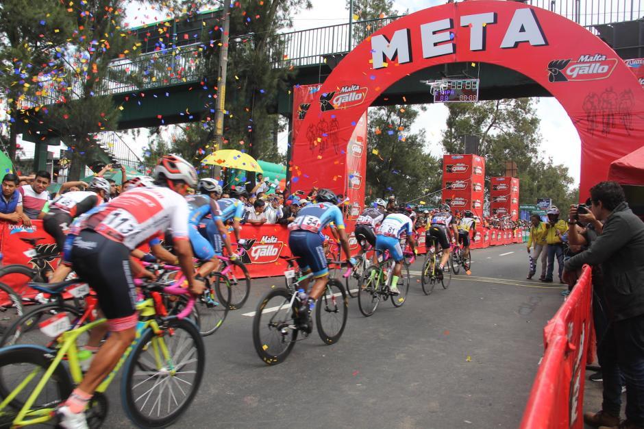 El guatemalteco inició la competencia con el Team Australian Sacatepéquez. (Foto: Fredy Hernández/Soy502)