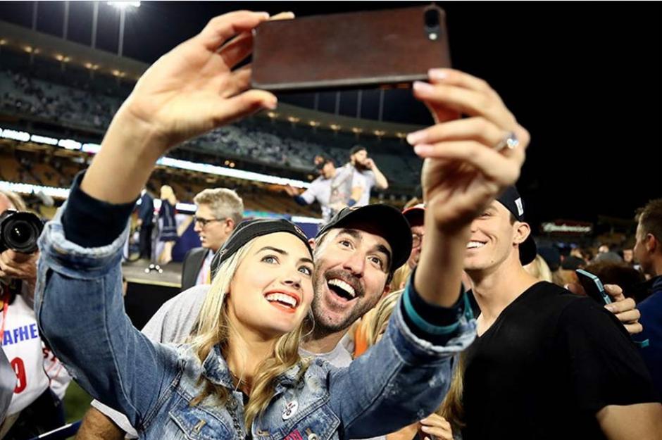 Kate Upton celebró por todo lo alto el triunfo de los Astros de Houston. (Foto: AFP)