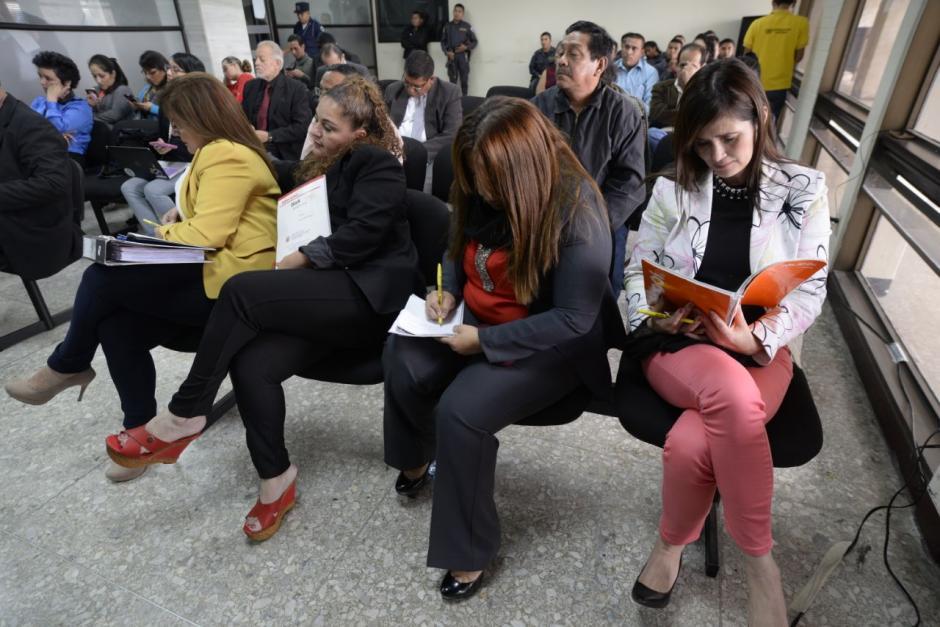 Las implicadas en el caso Caja de Pandora permanecen en la primera fila de la sala de audiencias. (Foto: Wilder López/Soy502).