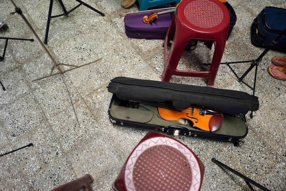 Luego, Edras trabajó en la agricultura para comprar el resto de instrumentos. (Foto: Jesús Alfonso/Soy502)