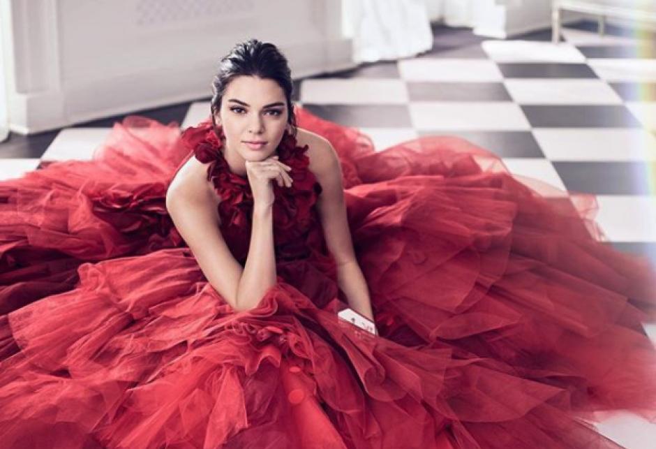 La modelo y socialité Kendall Jenner es reconocida las medidas de su rostro. (Foto: kendalljenner)