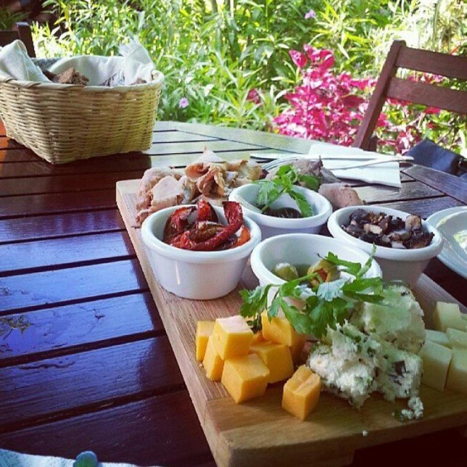 Saberico es un restaurante dentro de una pequeña y colorida jungla. (Foto: Saberico)