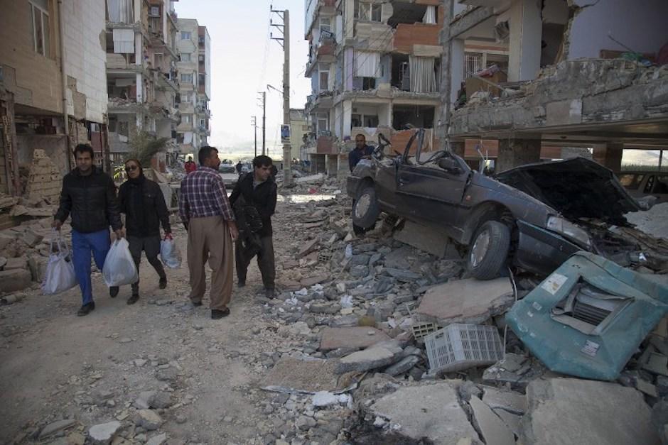 Las labores de rescate continúan un día después de la tragedia. (Foto: AFP)