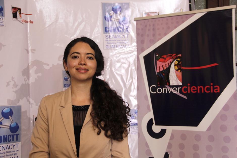 La doctora Marlene Susana Arrechea Alvarado obtuvo el reconocimiento por su aporte a la ciencia. (Foto: Fredfy Hernández/Soy502)