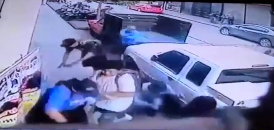 Las imágenes muestran la frialdad del ataque. (Foto: captura de pantalla)