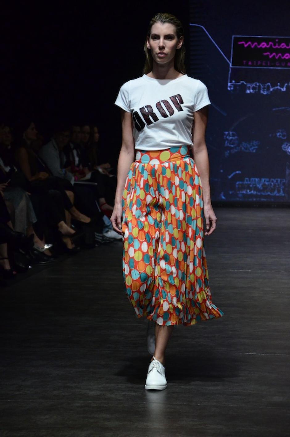 Las playeras combinadas con faldas largas no podían faltar. (Foto: Selene Mejía/Soy502)