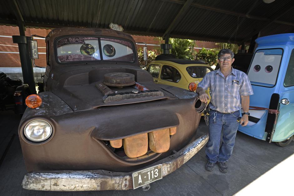 Pepe Cohen lleva varios años realizando los autos con modelos similares a la película. (Foto: Wilder López/Soy502)