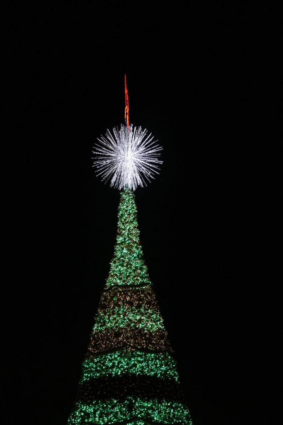 Se encendieron más de 1 millón 500 mil luces. (Foto: Víctor Xiloj/Soy502)