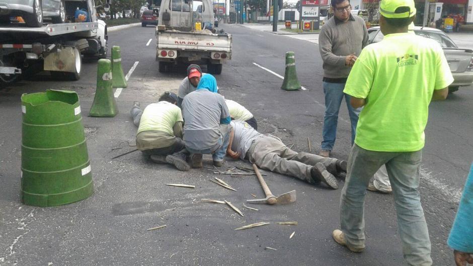 La Municipalidad de Mixco realizó las reparaciones del agujero en la calzada Roosevelt. (Foto: MICIVI)