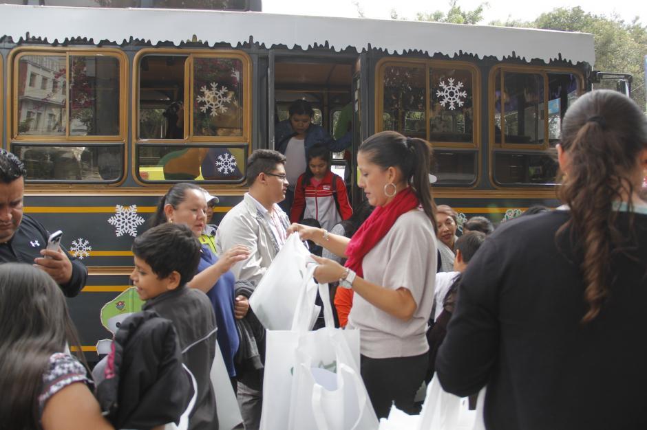 Puedes conocer varias curiosidades del Centro Histórico si viajas en el Trolley. (Foto: Fredy Hernández/Soy502)