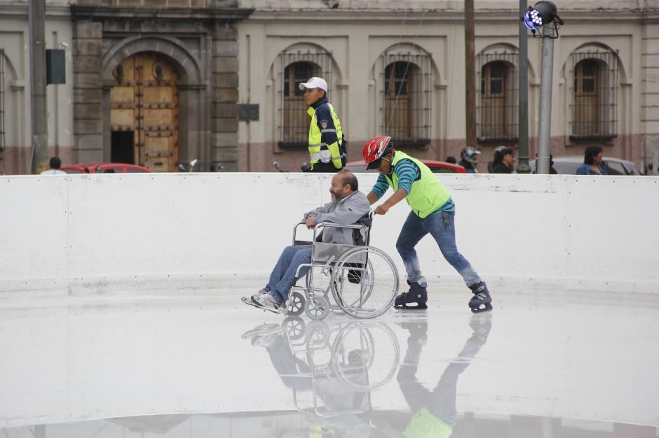Este es el segundo año que el hombre realiza el paseo. (Foto: Fredy Hernández/Soy502)
