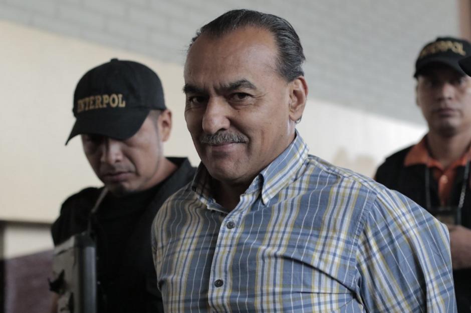 Aparicio llegó a tribunales tranquilo, luego de ser deportado de Argentina. (Foto: Alejandro Balán/Soy502)