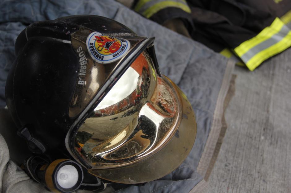 El bombero estuvo desaparecido por dos horas durante el incendio. (Foto: Fredy Hernández/Soy502)