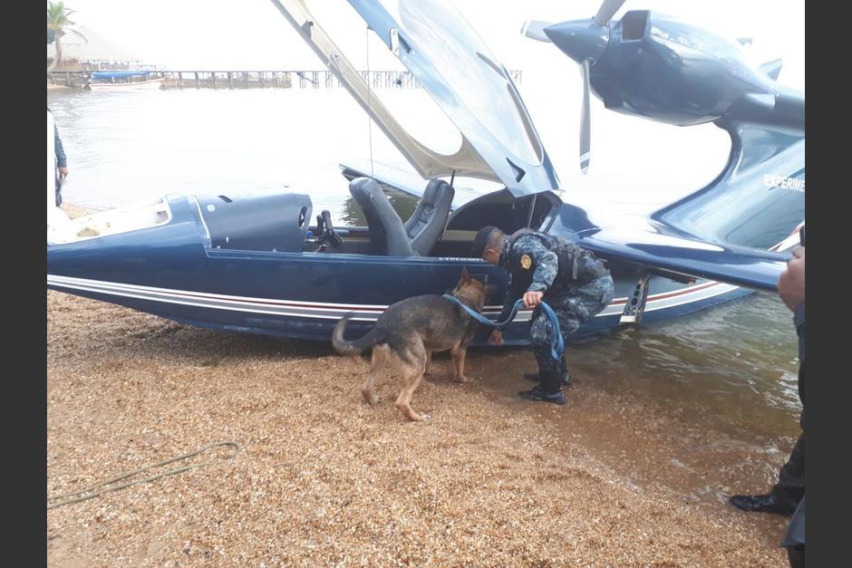 La PNC localizó una extraña aeronave en Izabal. (Foto: PNC)