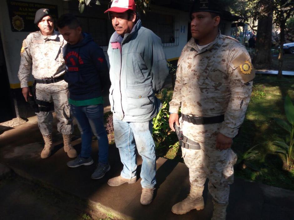 Por ese caso fueron detenidos dos hombres que viajaban en el camión. (Foto: PNC)