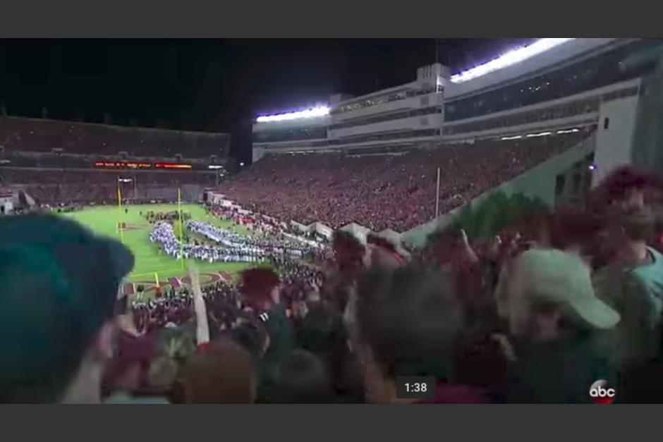 El espectacular recibimiento de la afición del equipo de Virginia Tech a ritmo de Metallica impacta a millones. (Foto: Captura de video)