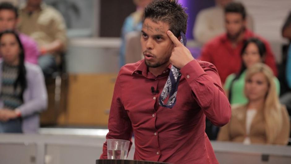 Luis demandó a su esposa por los celos enfermizos de ella. (Foto: captura de video)