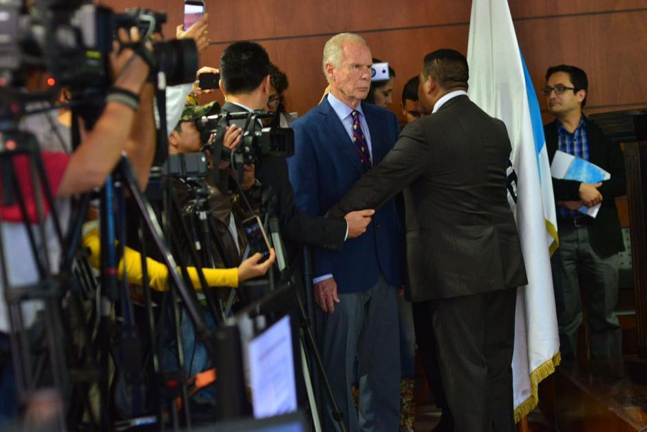 Con una mirada desafiante se colocó al frente de la prensa. (Foto: Jesús Alfonso/Soy502)