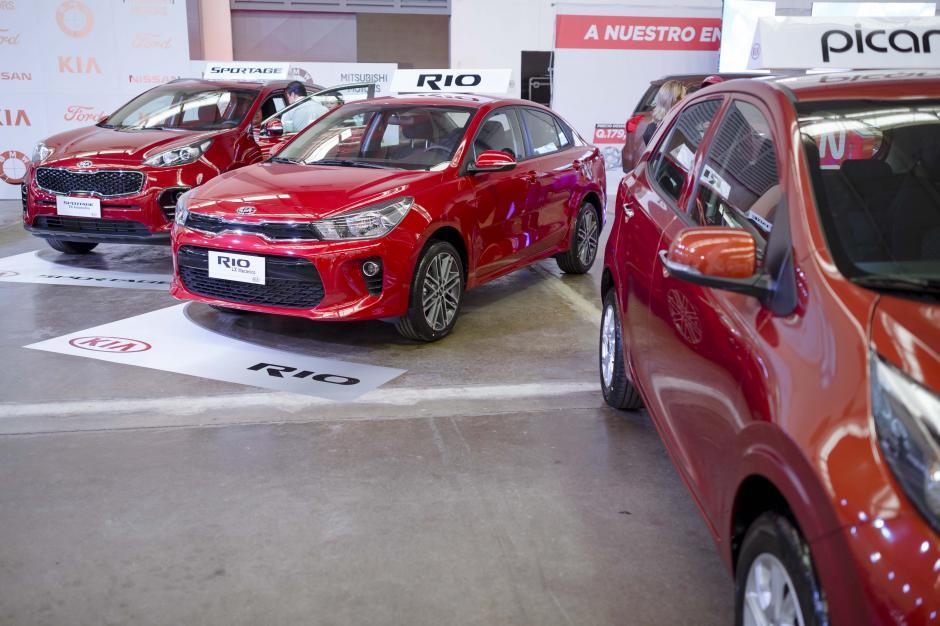 Kia muestra su nueva línea a los consumidores guatemaltecos. (Foto: George Rojas/Soy502)