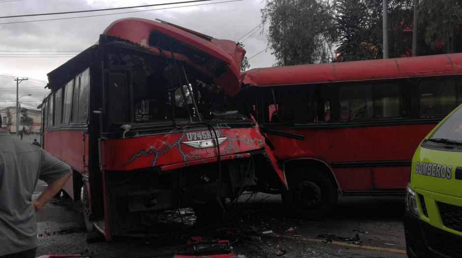 Varias personas resultaron heridas por el accidente. (Foto: Jorge Sente/Nuestro Diario)