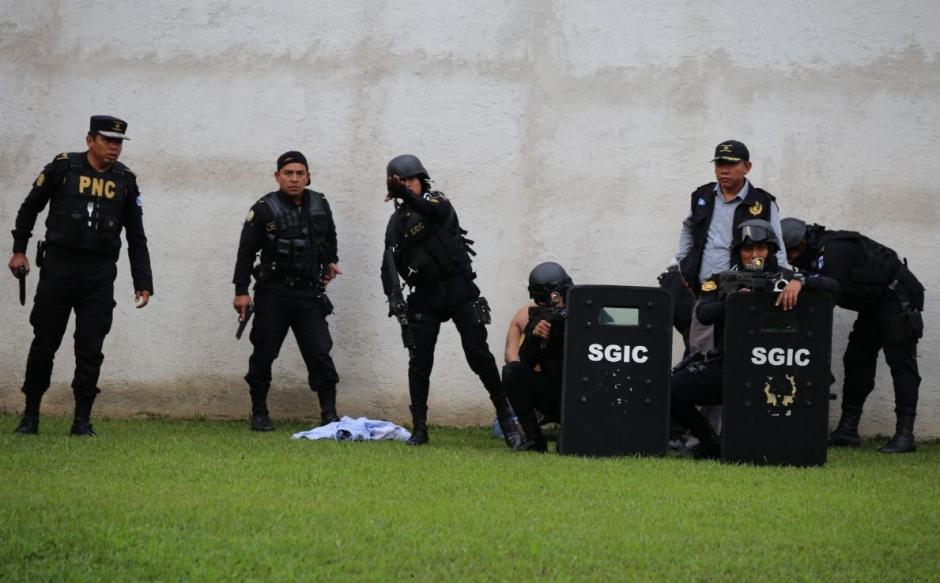 Un equipo especial de la PNC ubicó la residencia de los pandilleros. (Foto: PNC)