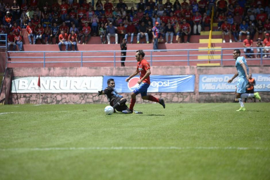 Con dos goles municipal consigue tres puntos ante sanarate for Los rojos de municipal