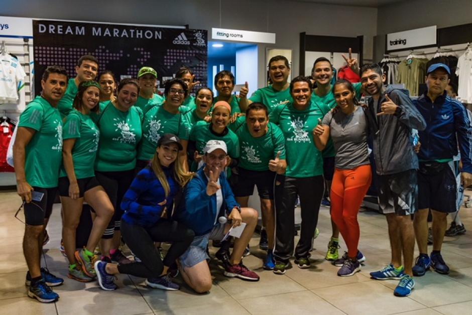 El equipo de 4x4 Runners celebra la importante alianza con Adidas. (Foto: cortesía Adidas Guatemala)