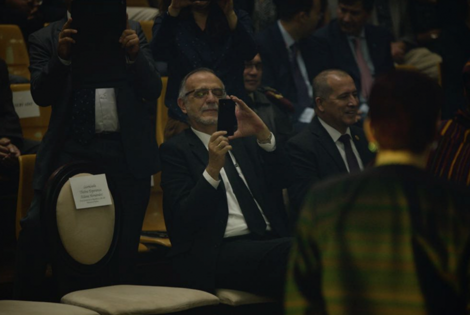 El comisionado Iván Velásquez no quiso bailar pero grabó en video. (Foto: Wilder López/Soy502)