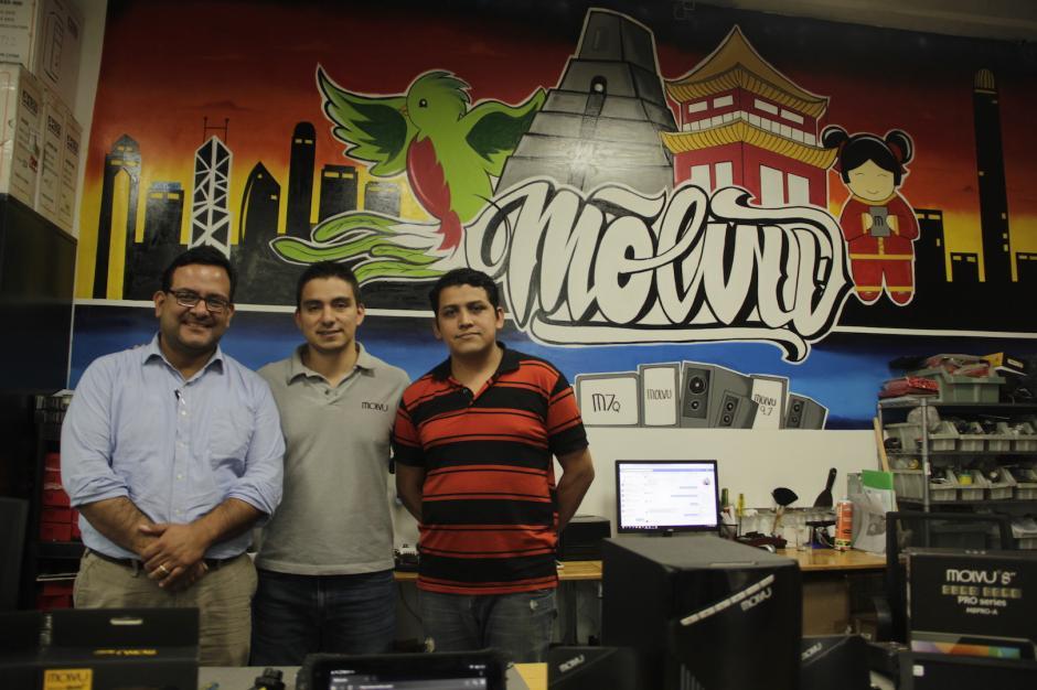 Guillermo Alfonso, Kevin González y Noe Rodríguez son las mentes maestras de Molvu. (Foto: Fredy Hernández/Soy502)