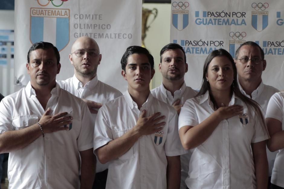 Atletas de Triatlón fueron juramentados por el COG. (Foto: Alejandro Balan/Soy502)