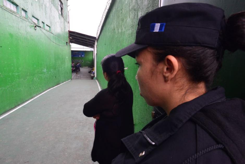 Las autoridades allanaron el lugar para recabar información sobre la víctima. (Foto: Jesús Alfonso/Soy502)